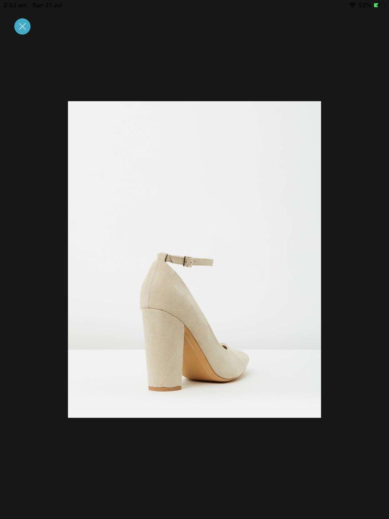 PRICE DROP Spurr Heels, Size 38 AU7, New with dust bag