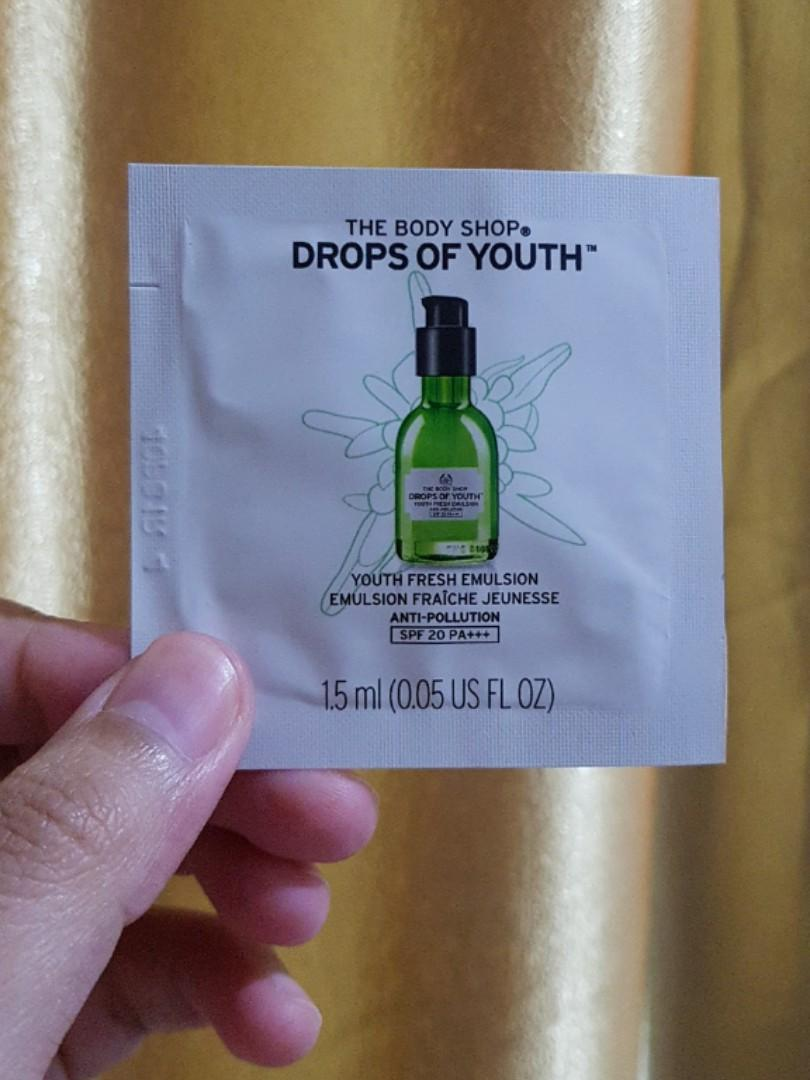 The Body Shop Drops Of Youth Fresh Emulsion Anti Pollution SPF 20 PA+++