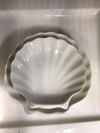 Brand new Shell-shaped Porcelain Plates