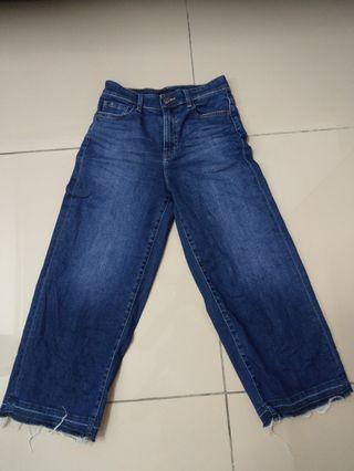 Uniqlo wide leg jeans