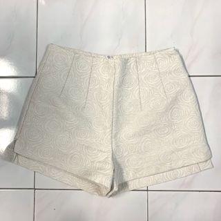 Kitschen High Waist Short (M Size)