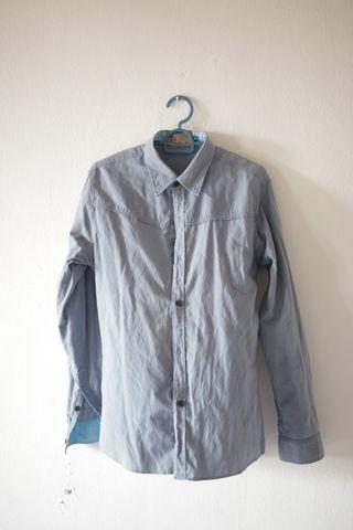 Prelove - Baju Kemeja Long Sleeve Slim Fit (M)