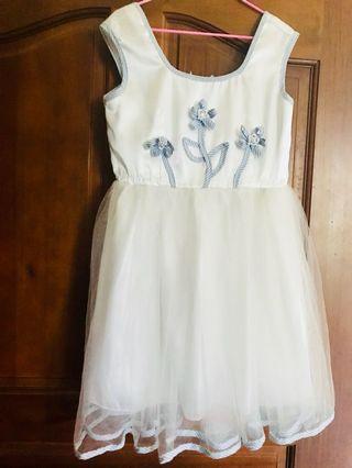 可愛氣質小花童洋裝🌸✨