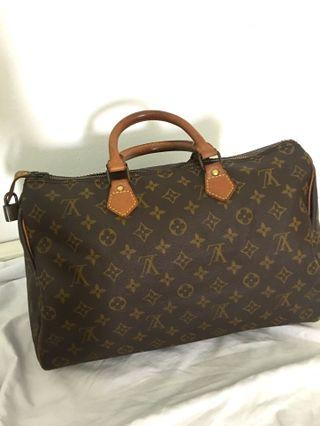 Authentic Louis Vuitton LV Speedy 35 tote bag