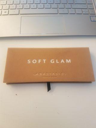 "Anastasia Beverly Hills ""Soft Glam"" eyeshadow palette"