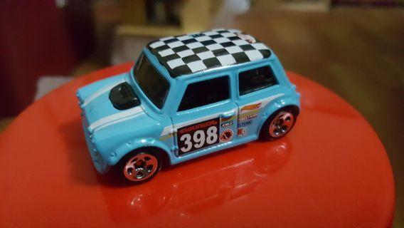 Hotwheels Morris Mini (Light Blue) rivet loose *sporty *racing *rally