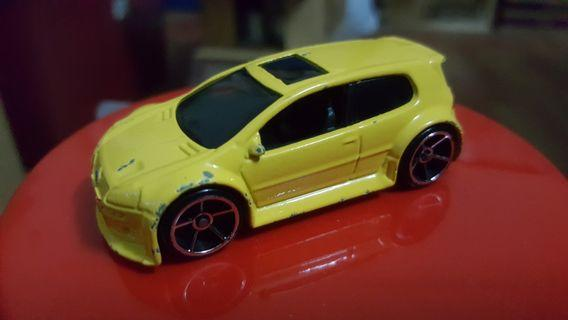 Hotwheels Volkswagen GTI from 5 pack (Yellow) rivet loose *racing *sporty *multipack *HTF
