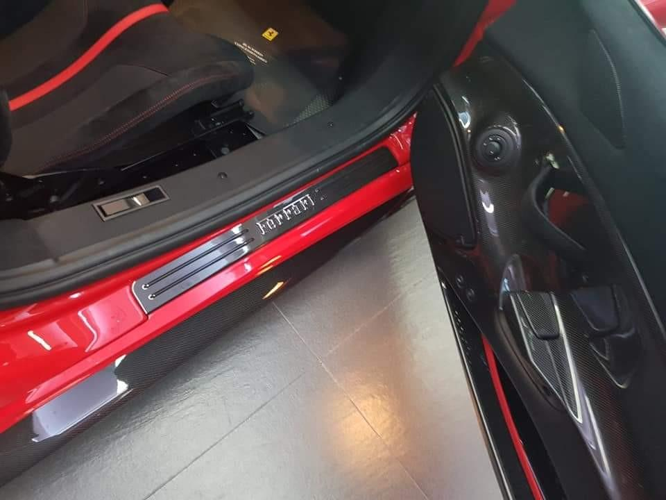 FERRARI 458 SPIDER 2014火红色