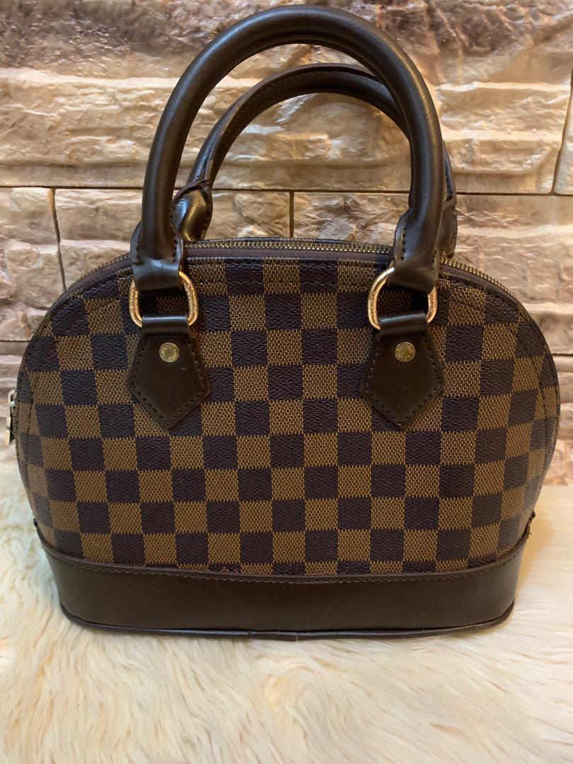 LV alma premium full leather masih bagus size mini 25 cm, murah banget