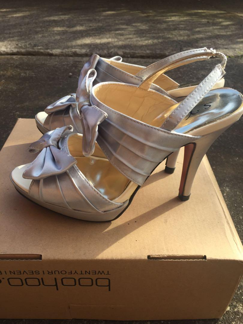 NEW Satin Feel SZ 38 Grey / Lilac Formal Heels w Strap Bow Detail and Red Sole