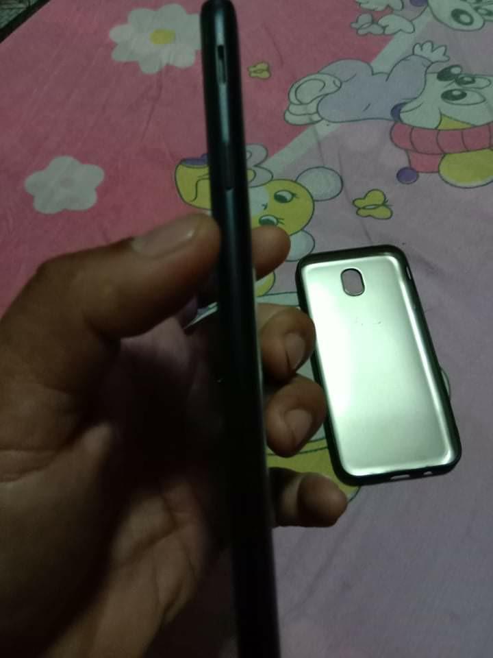 Samsung j7 pro pie version on Carousell