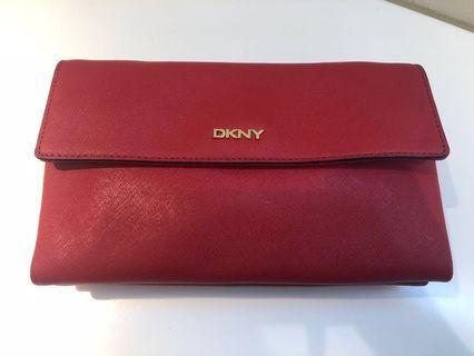 DKNY 紅色斜背包 可議價