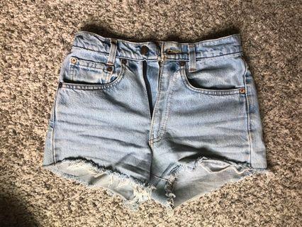 high waist levi shorts (w 24/25)