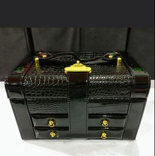 (Stock 24Aug-  1black) PU leather embossed multi compartment jewellery box