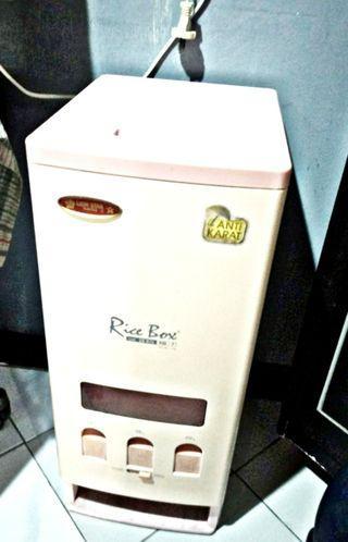 Tempat Beras / Rice Box