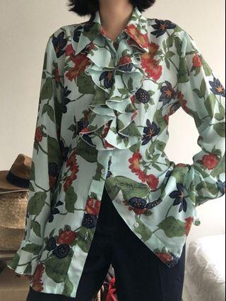 Vintage floral print ruffle blouse