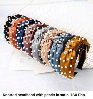 Knotted headband with pearls in satin, 180 Php