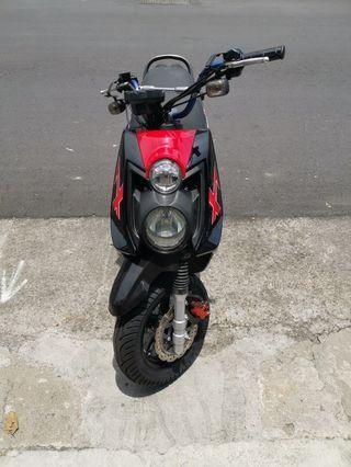 山葉BWS125黑紅色