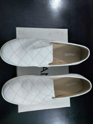 Sepatu Wanita Santai White