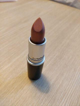 MAC Lipstick in Delish A48