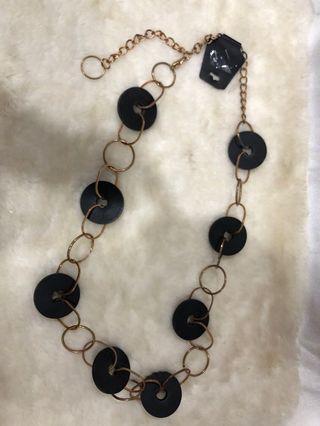 Kalung lilit hitam yg bisa di pakai jg sebagai ikat pinggang