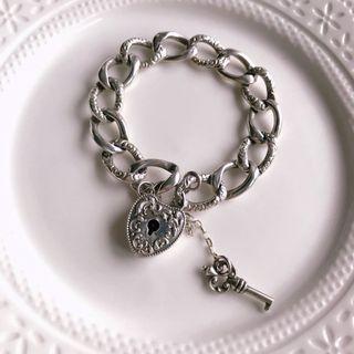 古董飾品。純銀幸運心鎖手鍊