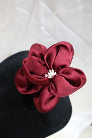 Bros Bunga bahan kain merah marun