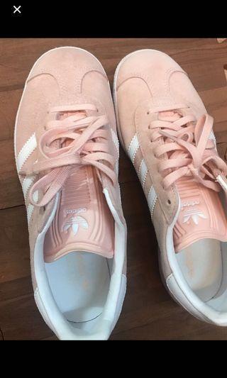 愛迪達 麂皮粉色復古