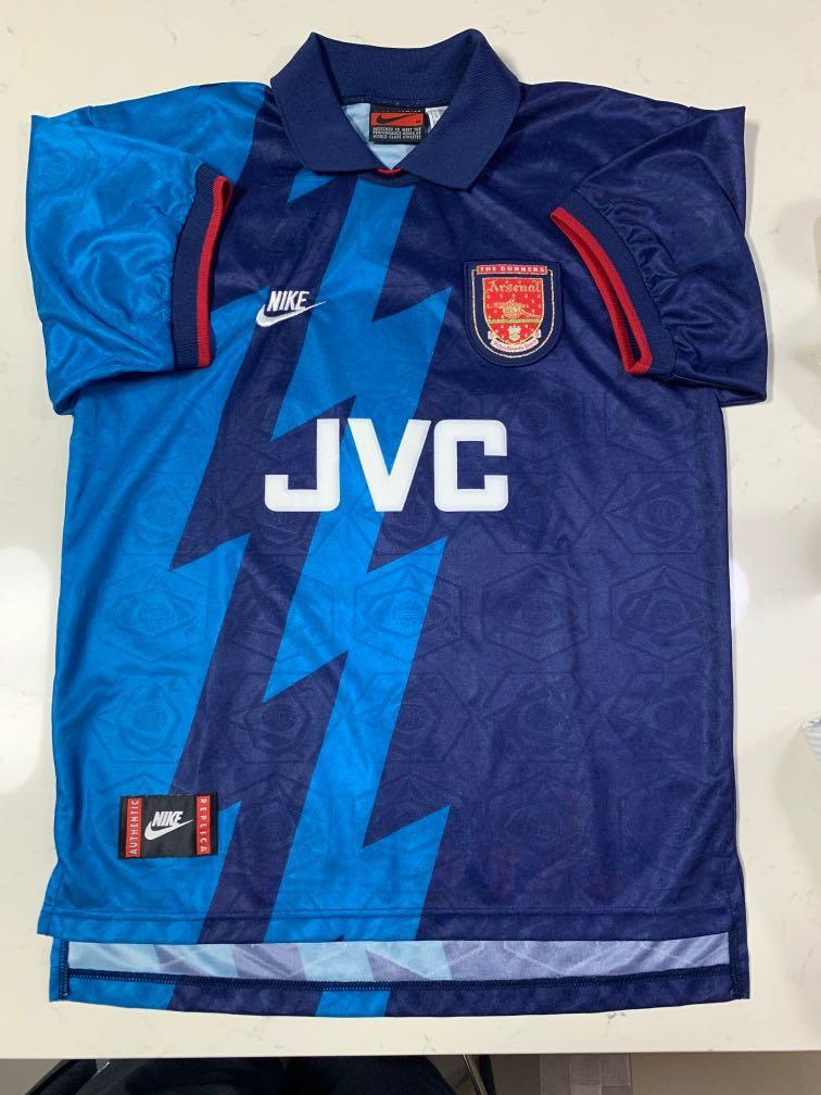 wholesale dealer 3ae07 3e559 Arsenal Dennis Bergkamp 1995/1996 away kit size M, Sports ...