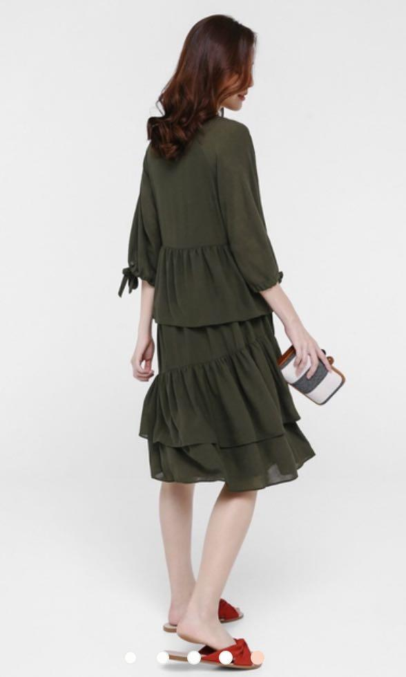 BNWT LOVE BONITO Ulani Tier Midi Dress