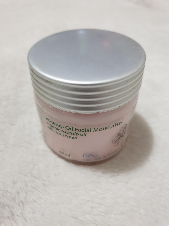 Neo Australia Organic rosehip oil face moisturiser with sunscreen