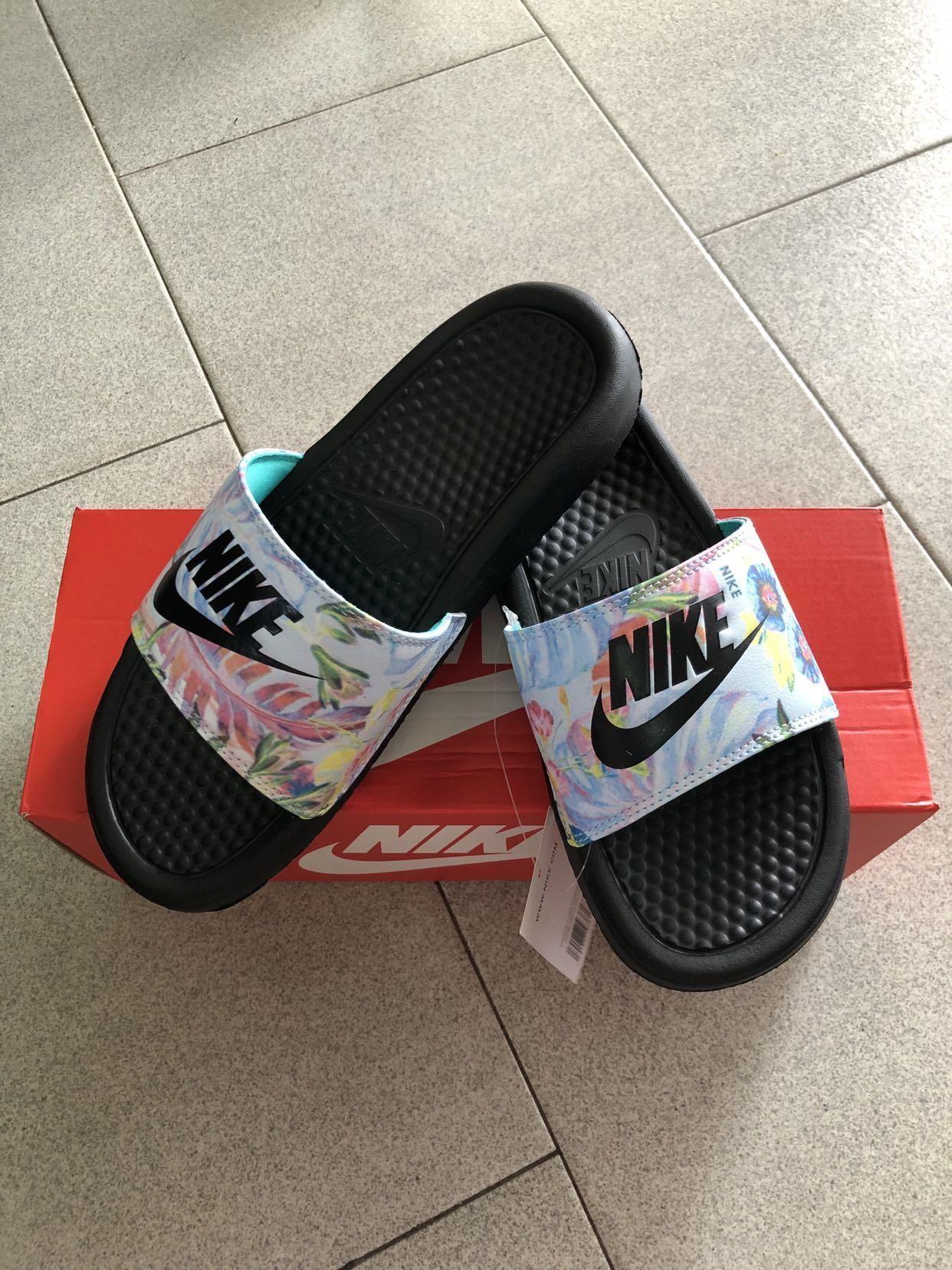 Nike Floral Slides, Women's Fashion