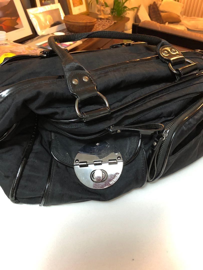 Weekender or carry on bag, multiple pockets, lightweight.
