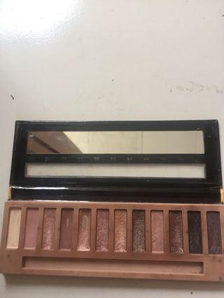 La girl nudes eyeshadow collection