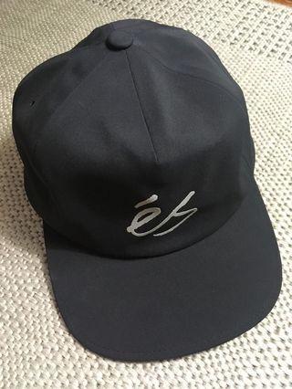 eS Tech Script cap