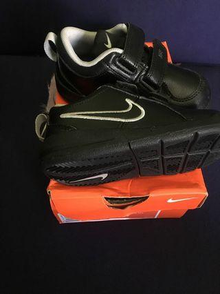 Nike pico kids