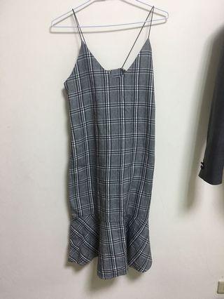 格紋吊帶洋裝