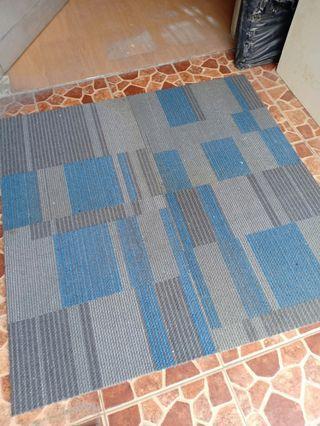 Karpet lantai 50x50cm