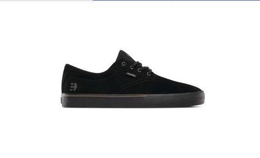 Etnies skater shoe