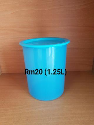 Tupperware One Touch Canister