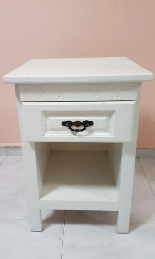 Free Giveaway Bedside Table Very Good Condition Self Collect