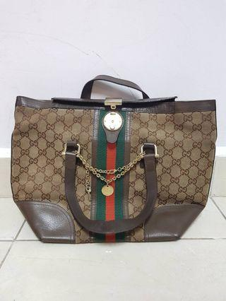 Gucci handbag with lock (Preloved)