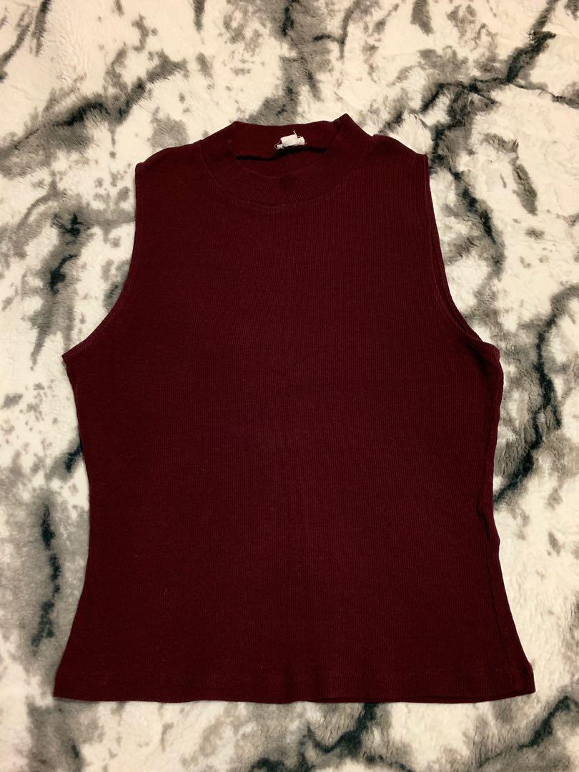 Garage burgundy sleeveless turtleneck shirt size large
