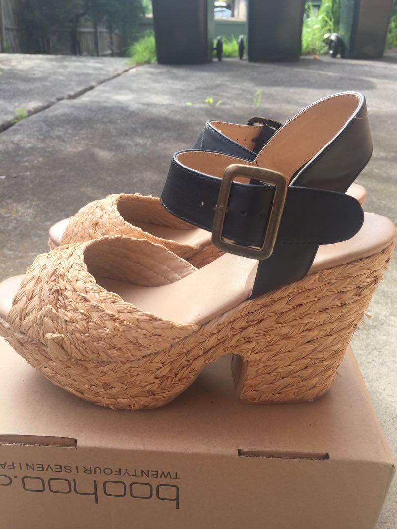 Glassons SZ 9 Chunky Platform Sandals Raffia Straw Heels