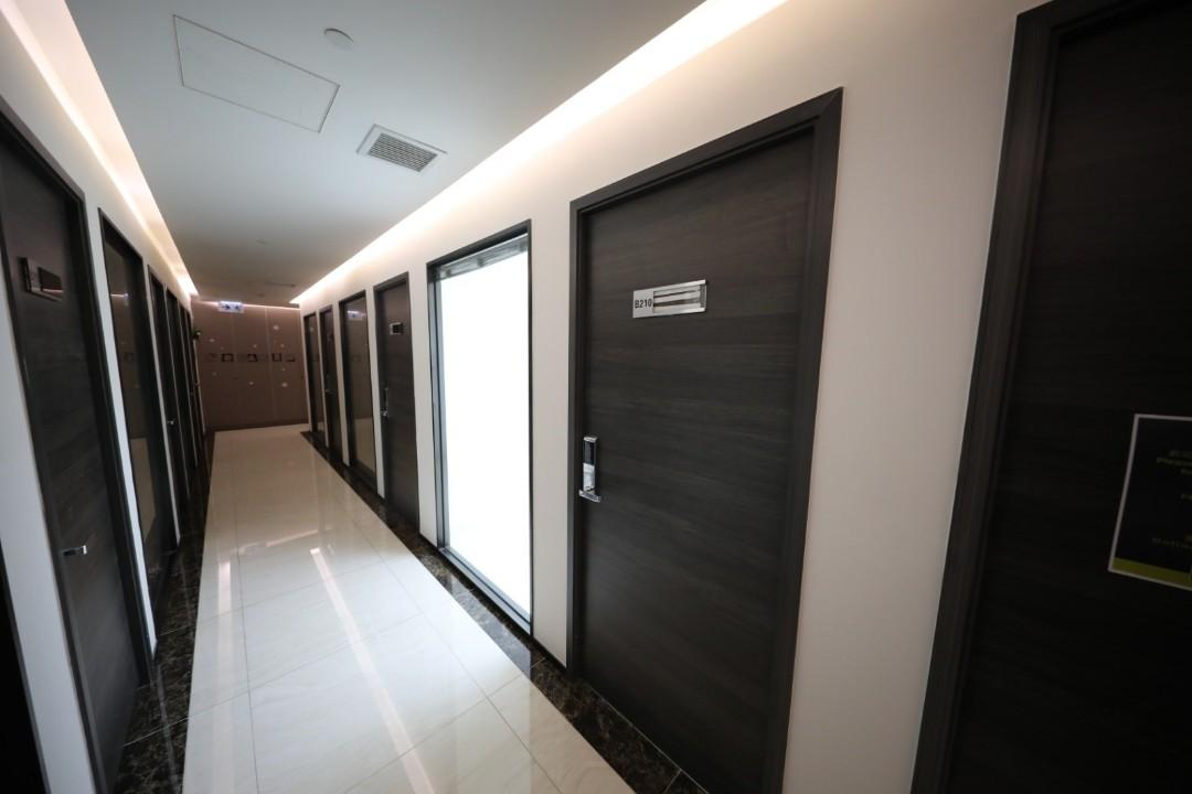 """(Kwun Tong ) We all studio / office / small warehouse to lease for """"business center"""" ~ in Kwun Tong"""