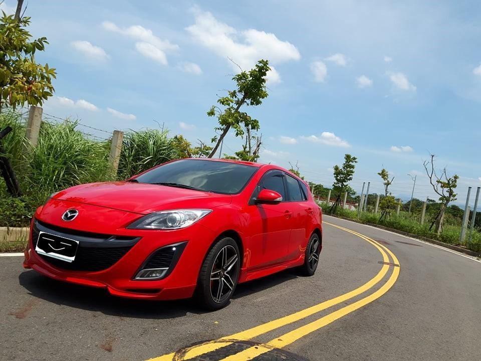 Mazda 3 紅