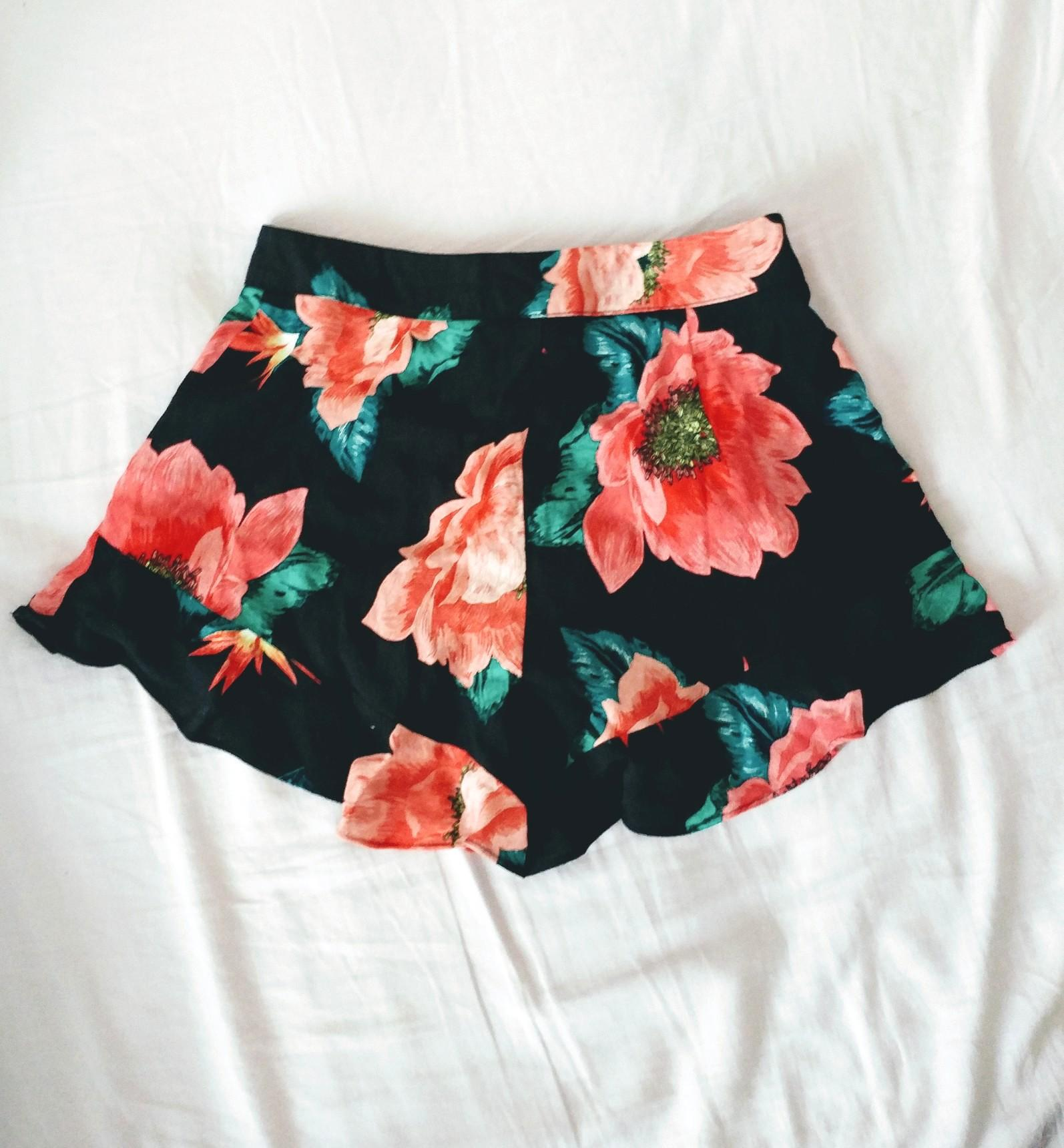 Navy floral flounce shorts from zara (high-waisted)