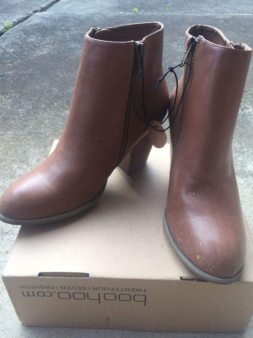 NEW Forever 21 SZ 9 Tan Brown Ankle Boots w Side Zip and Chunky Heel