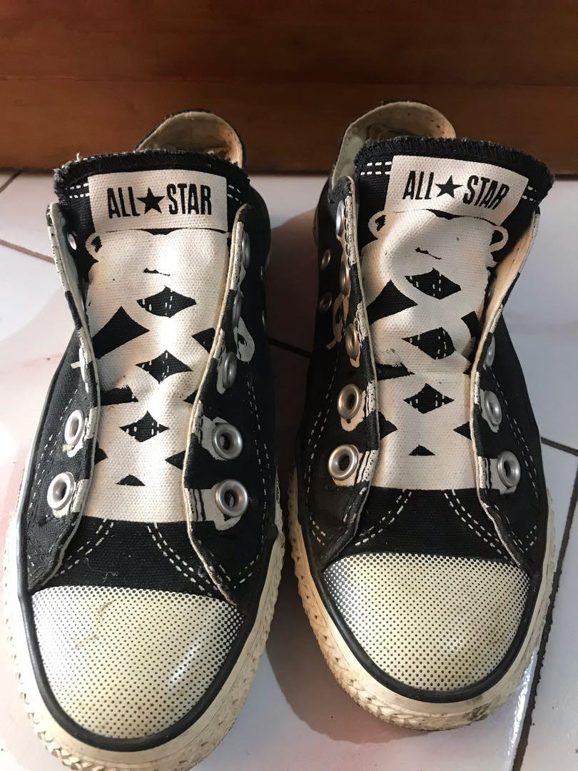 Sepatu Converse slip on  (unisex)