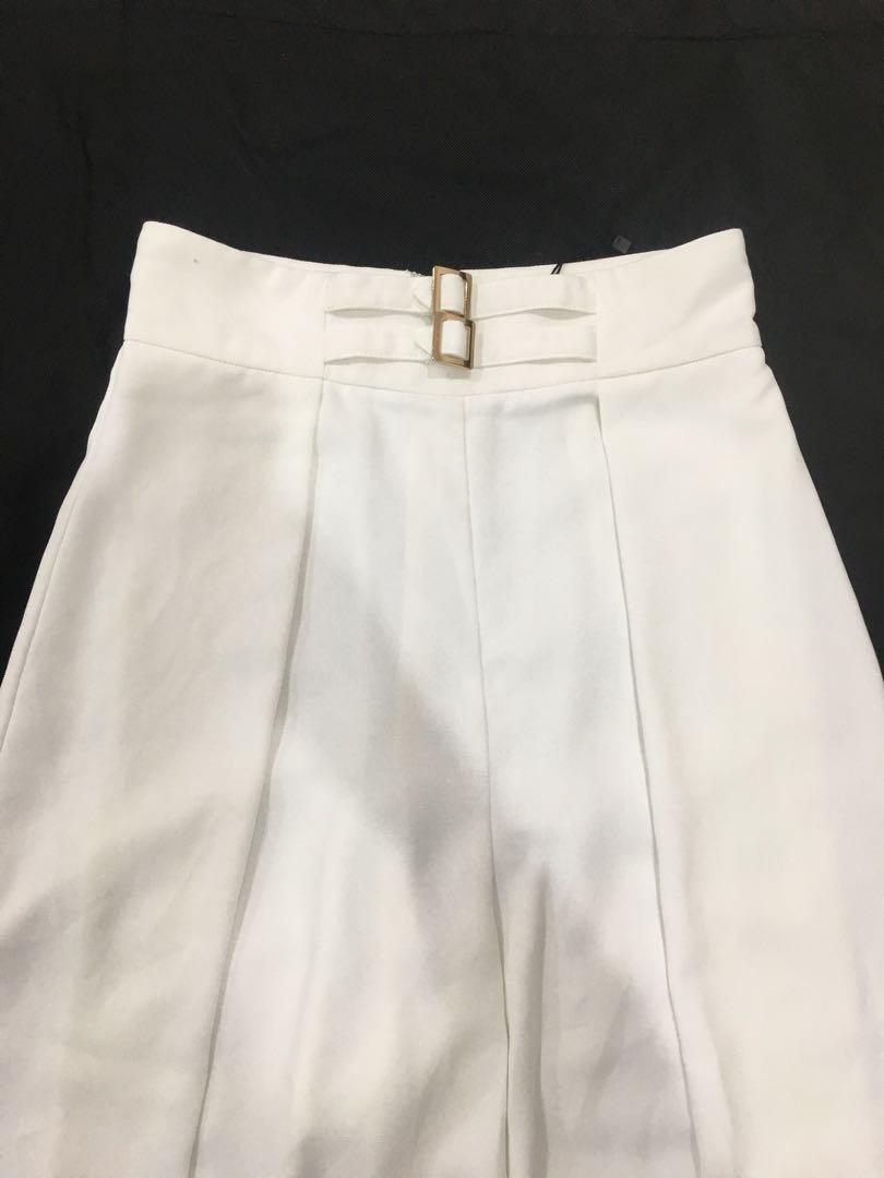 Sheike high wasted pants with small bronze buckles in Cream